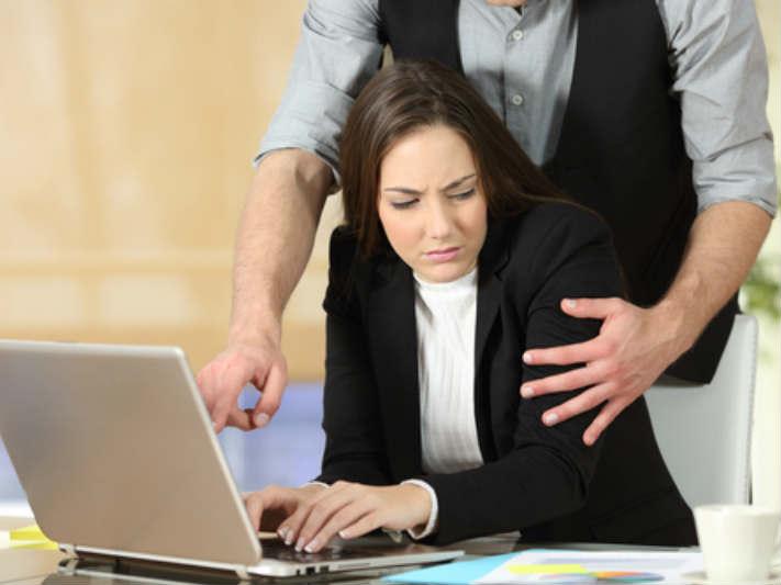 Cómo deben actuar las empresas ante situaciones de violencia de género?